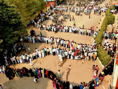 demonetisation_queue_pti1
